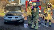 Brandweer moet tussenkomen nadat motor van wagen het begeeft