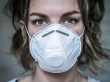 Verpleeghuizen delen beschermingsmiddelen