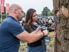 Vlinders voor Theo van Berlo en Oskar Pudelko op monument tegen zinloos geweld