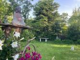 Esther heeft weinig ruimte rond haar bovenhuis, maar toch een tuin van 200 vierkante meter