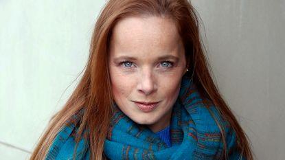 """'Thuis'-actrice Daphne Paelinck technisch werkloos door corona: """"Het faillissement loert om de hoek..."""""""