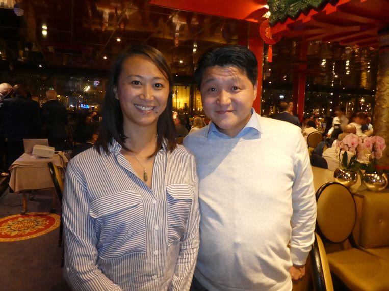 Regisseur Julie Ng en producent In-Soo Radstake krijgen deze avond 14.000 euro voor hun documentaire over de Chin. Ind. Restaurantcultuur. Beeld Hans van der Beek
