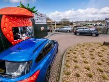 Aardbeien drive-in J&B Uden voert tijdsloten in om overlast tegen te gaan: 'Lof voor deze oplossing'