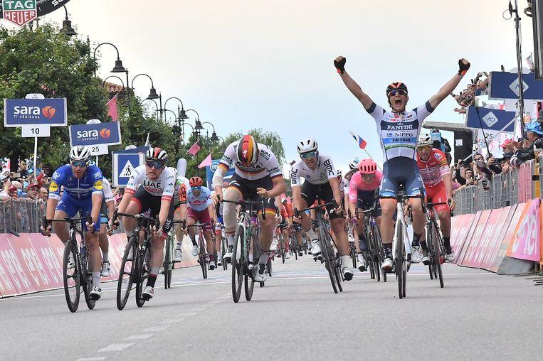 Cima won de achttiende etappe.