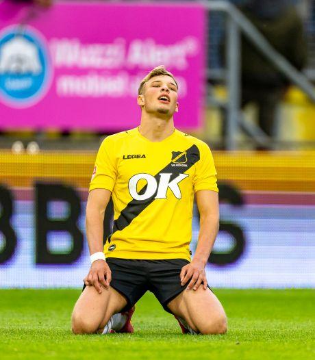 NAC-topscorer Van Hooijdonk ziet geen andere uitweg meer en vertrekt transfervrij