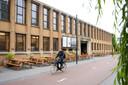De Stadsbrouwerij zit in een van de historische panden van de Schellensfabriek aan de Vestdijk in Eindhoven.