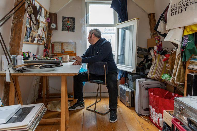 Gabriël Kousbroek in zijn huis in de Amsterdamse binnenstad. Beeld Jildiz Kaptein