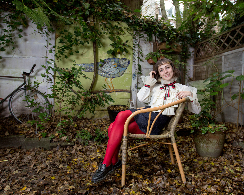 Sophie Straat, artiestennaam van Sophie Schwartz, is bloedserieus over het levenslied.