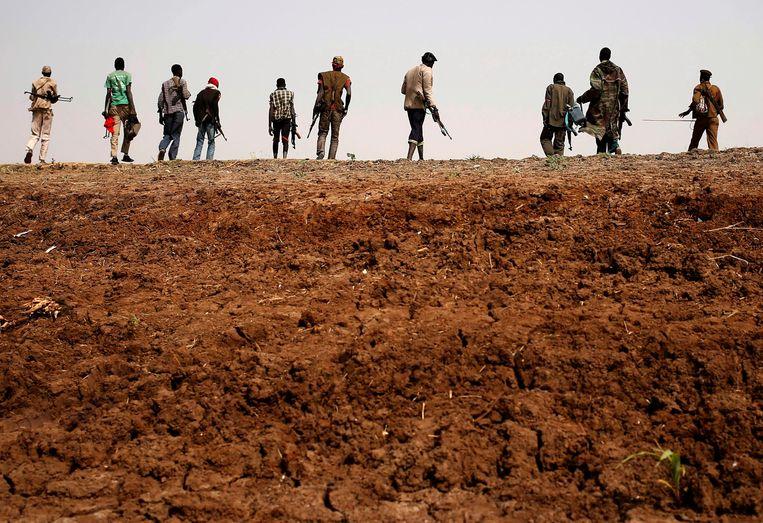 Rebellen marcheren in Zuid-Soedan, 2014. Beeld REUTERS