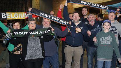 Supporters uit de bol na triomftocht Wout en Sanne