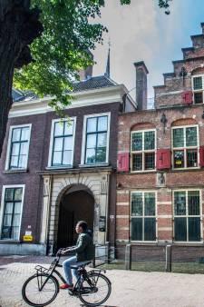 Het Mauritshuis en Kabinet van de Koning: Het slavernijverleden ligt in Den Haag letterlijk op straat