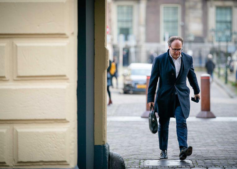 Minister Wouter Koolmees van sociale zaken en werkgelegenheid bij aankomst op het Binnenhof voor de wekelijkse ministerraad.  Beeld ANP, Bart Maat