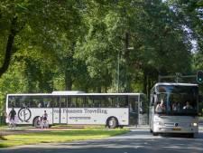 Touringcarbedrijven in zwaar weer door corona: 'We zijn aan ons lot overgelaten door de overheid'