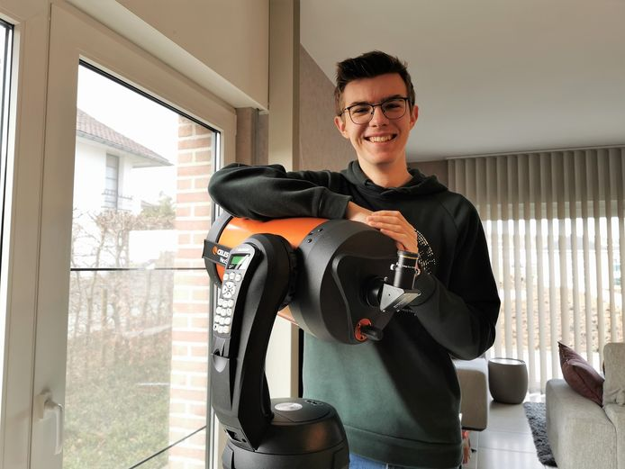 Maxime Deryck (17) uit Halle richt de eerste Jeugdvereniging voor sterrenkunde in Vlaams-Brabant op.