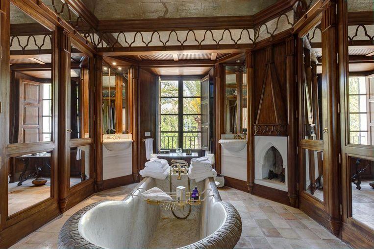 De badkamer in de villa van Michael Douglas.