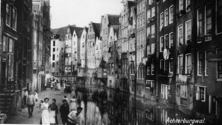 De Wallen eind negentiende eeuw. Beeld Getty Images