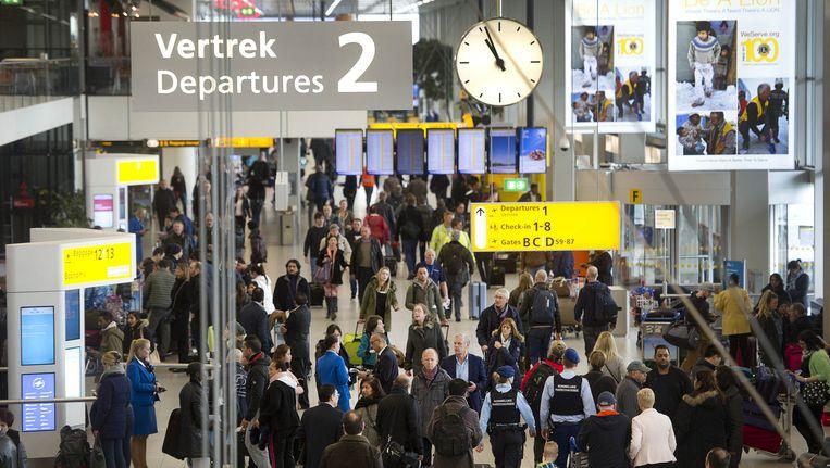 Vertrekhal 2 op Schiphol Beeld anp