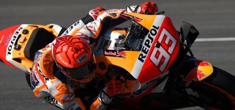 Zesvoudig MotoGP-kampioen Márquez start 14e na harde crash, pole voor Quartararo