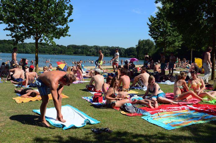 Aan de zwemzone wordt roken vanaf volgend jaar verboden.