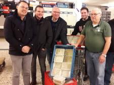 Katwijkse snert voor voedselbank in Hengelo