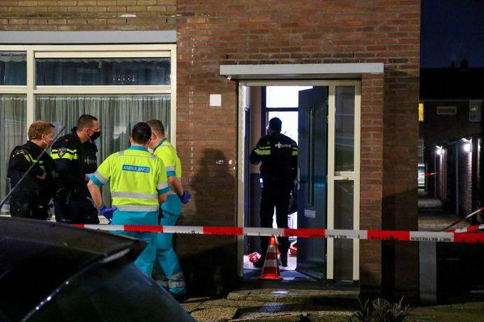 Het slachtoffer kon ter plekke door ambulancepersoneel worden behandeld, daarna is hij met agenten mee naar het politiebureau gegaan om aangifte te doen.