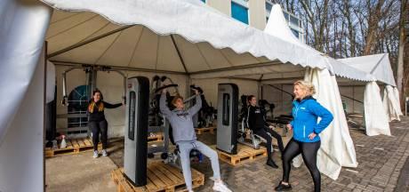Sportscholen gaan aan de slag in de buitenlucht: tent moet aan drie zijden open staan