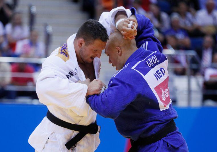 Henk Grol wint in Minsk in de strijd tegen de Tsjech Lukas Krpalek een bronzen medaille. Beeld null