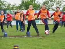 KNVB promoot meisjesvoetbal en in Geffen geven ze het goede voorbeeld