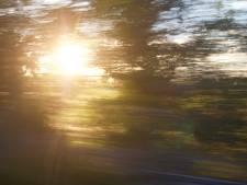 Snelheidsduivel A15 rijdt 132 kilometer te hard zonder rijbewijs
