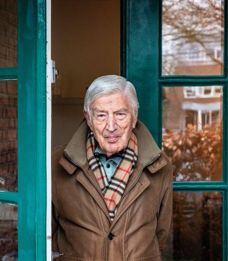 Oud-premier Dries van Agt breekt lans voor moslims: 'Houd meer rekening met hun gevoelens'