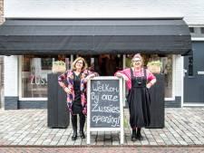 Ondernemende 'Zussies' stoppen met verkoop van tweedehands mode in Goes