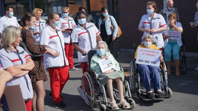 Personeel en bewoners rusthuis De Reiger voeren actie tegen privatisering van de zorg