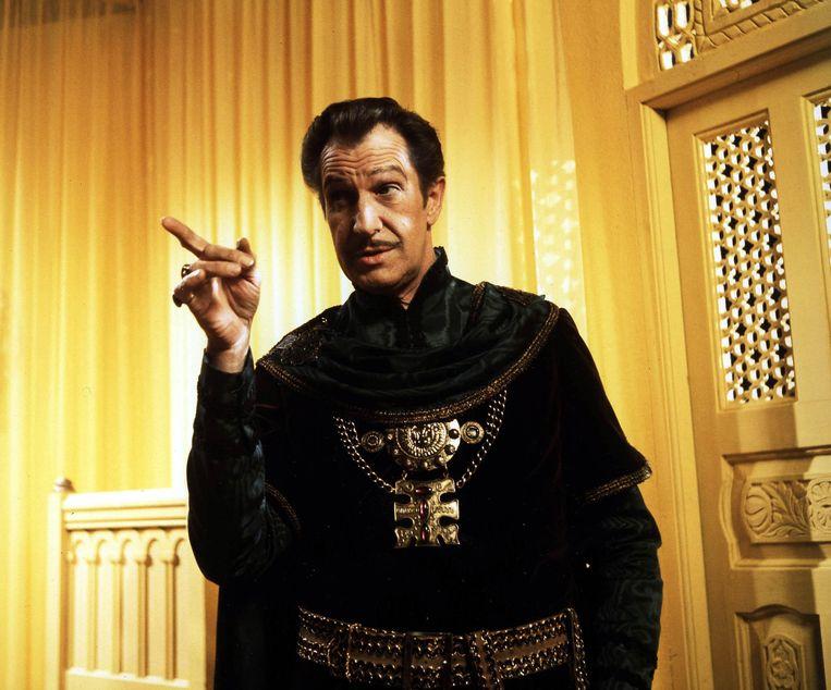 Prospero (Vincent Price) in de gele kamer uit The Masque of the Red Death.   Beeld Alamy