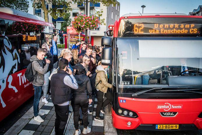 Buslijn 62 tussen Neede en Enschede is erg populair maar een directe verbinding van Haaksbergen naar het ziekenhuis of het crematorium in Usselo zit er nu even niet in.