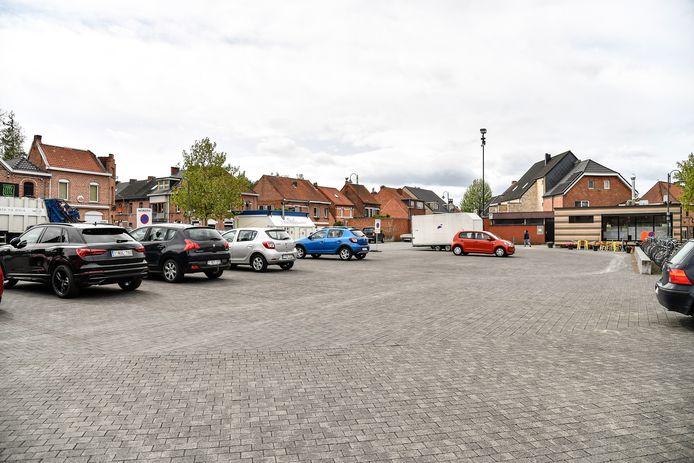 Voor de wekelijkse markt wordt onder meer gedacht aan het Tweebruggenplein.