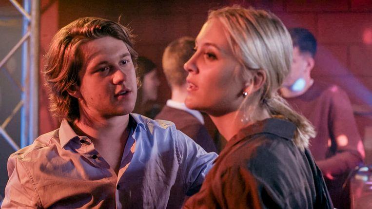 Sarah-Lynn Clerckx met Lukas Stevens in 'Familie'.