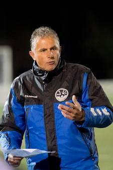 Uit den Bogaard weg als trainer van AGOVV