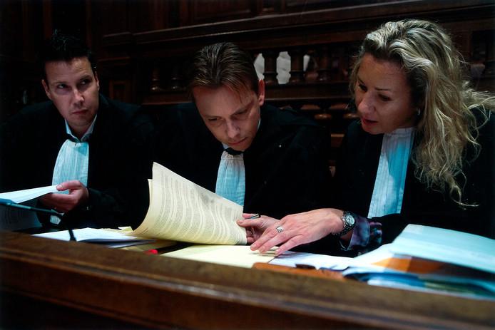 """Advocaat Esther Vroegh in de rechtszaal tijdens een Belgische strafzaak. Vroegh is advocaat van Rosmalenaar Jos van Son. . """""""