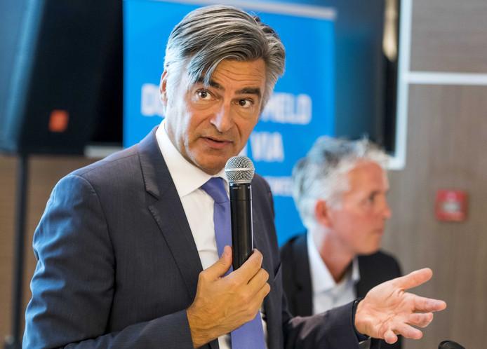 Rotterdamse wethouder Adriaan Visser is voorzitter van de Aandeelhouderscommissie van Eneco. Negen wethouders hebben daar zitting in.