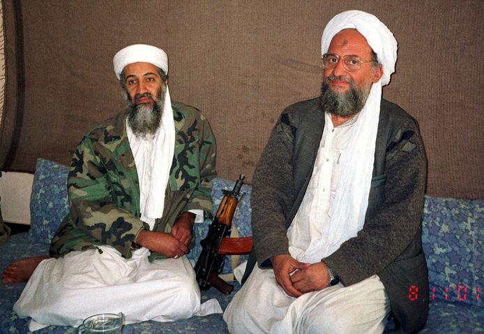 Oussama Ben Laden (à gauche) et son assistant de l'époque, Ayman al-Zawahiri, en novembre 2001.