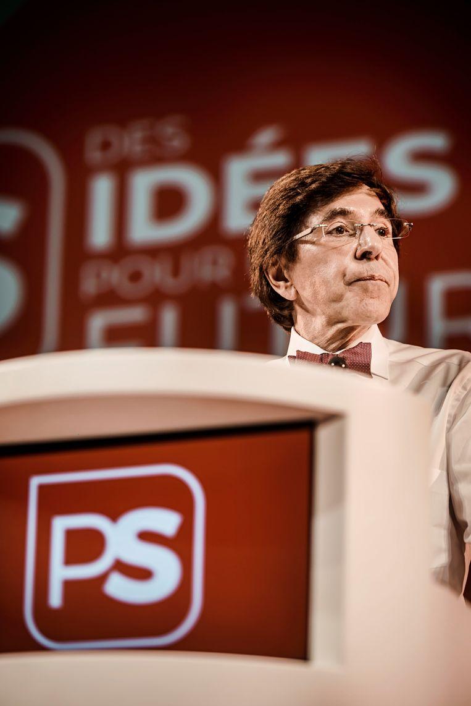 Elio Di Rupo speecht op het PS-congres in Luik. Beeld Eric de Mildt