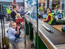 Ook Intratuin in Zoetermeer moest veel maatregelen nemen om zowel personeel als klanten te beschermen tegen het coronavirus.