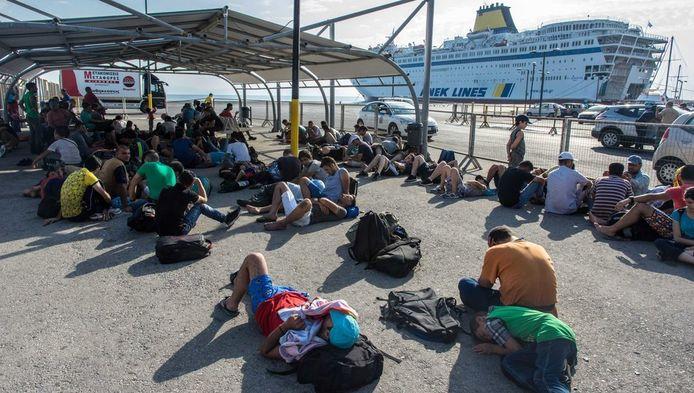 Vluchtelingen op het eiland Kos, Griekenland, kunnen de hulpgoederen goed gebruiken