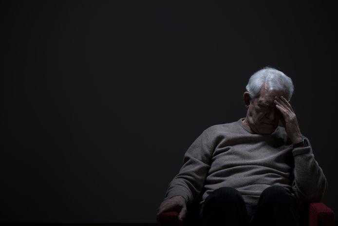 De 77-jarige man uit Arkel barstte enkele malen in tranen uit. Na de mishandelingen zette zijn vrouw de scheiding in en zijn hun zoons boos op de man. Foto ter illustratie.
