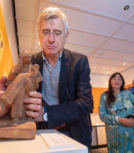 Mysterieus nieuw beeld van August Falise cadeau gedaan aan Wagenings museum