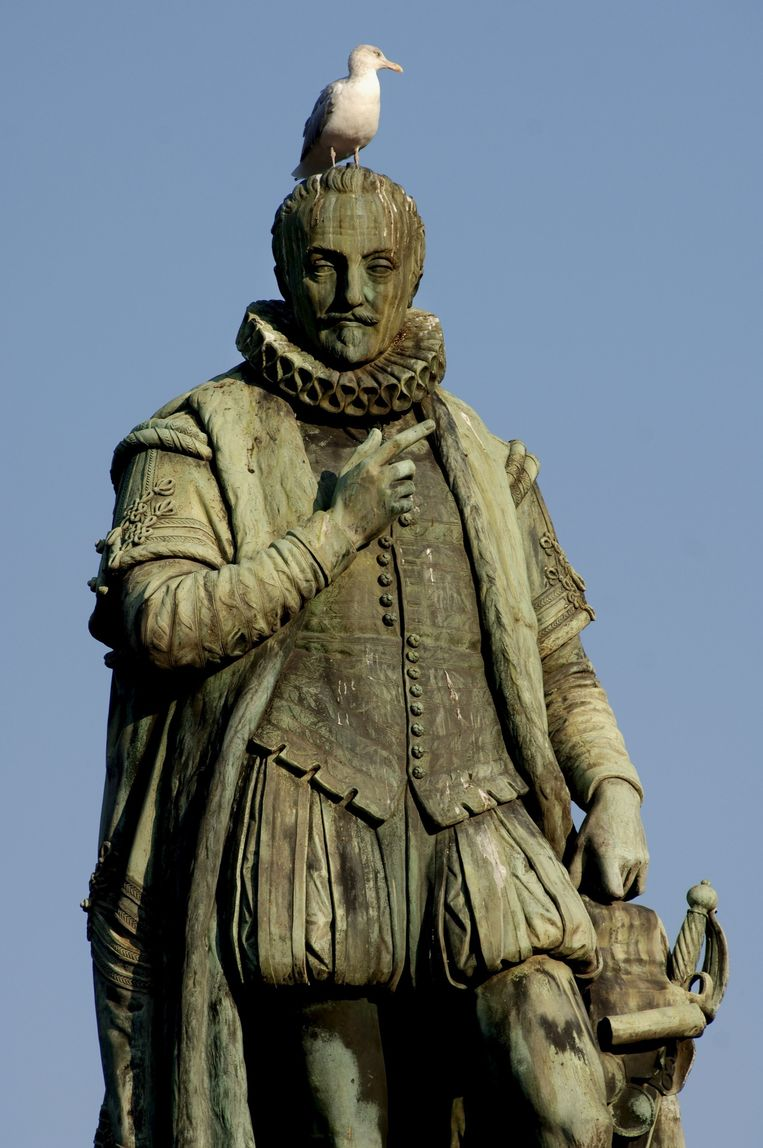 Het standbeeld van Willem van Oranje in Den Haag. Beeld HH