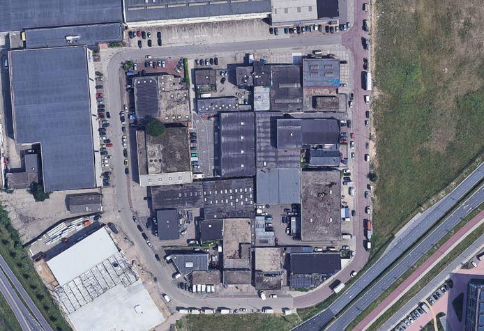 De bedrijfjes op bedrijventerrein Noordkanaalhaven vanuit de lucht.