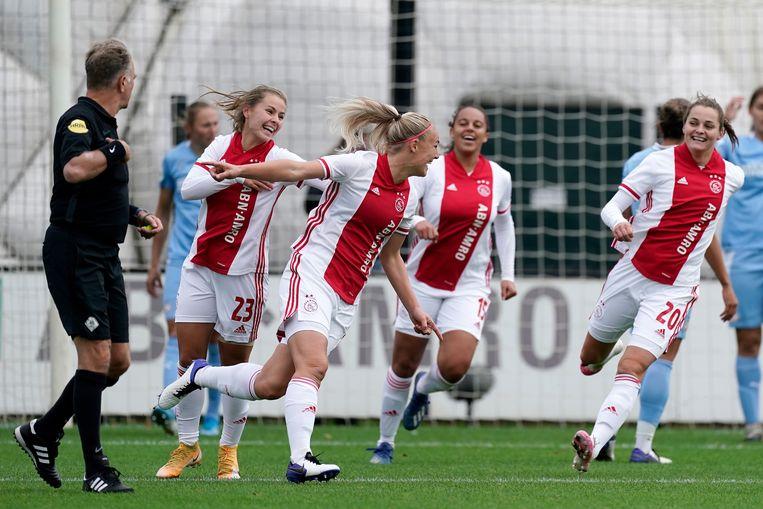 Stefanie van der Gragt viert de 1-0. Beeld BSR Agency