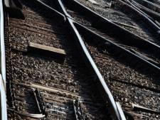 """Trois personnes, """"possiblement des migrants"""" meurent percutées par un train en France"""