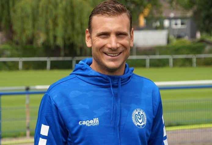 Jo Coppens werd afgelopen woensdag voorgesteld bij de Duitse traditieclub MSV Duisburg.